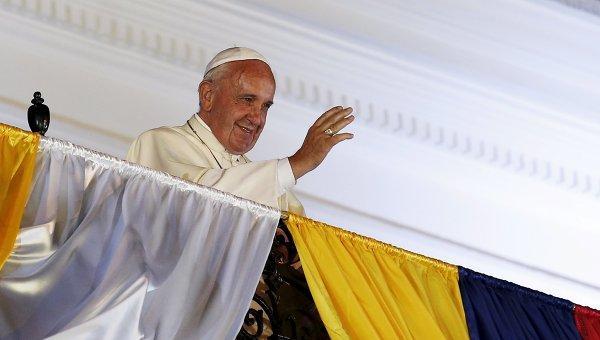 Вторая месса папы Римского в Эквадоре собрала 900 тыс. человек