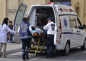 Şirvanda avtomobilin vurduğu kişinin ayaqları sındı