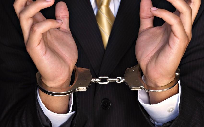В Баку за наркотики арестовали сотрудника муниципалитета