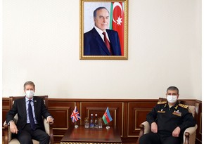 Azerbaijan, Great Britain mull issues of defense cooperation
