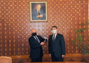 """Fərhad Abdullayev Qazaxıstanın """"Dostık"""" ordeni ilə təltif edilib"""
