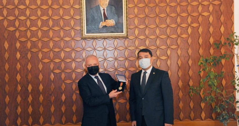 Глава Конституционного суда Азербайджана награжден орденом Казахстана