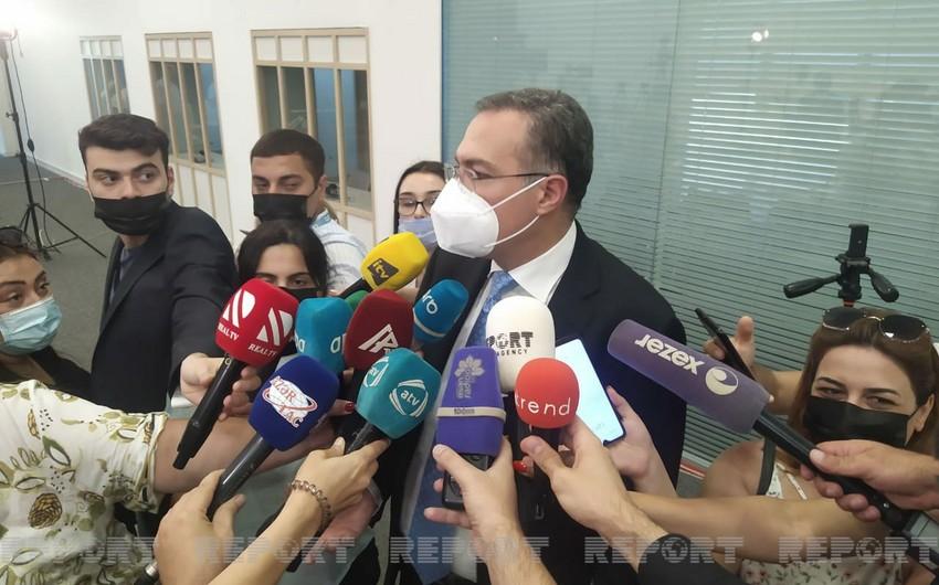 Помощник президента: В Азербайджане не обсуждается открытие сухопутных границ