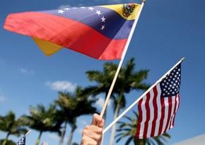 Минфин США разрешил финансовые операции с оппозицией Венесуэлы