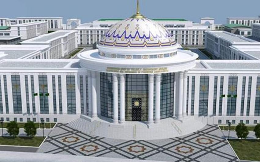 Делегация Международного университета гуманитарных наук и развития Туркменистана находится с визитом в Баку