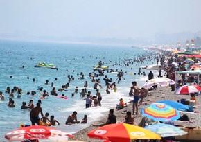 Türkiyənin Antalya şəhərinə turist axını başlayıb