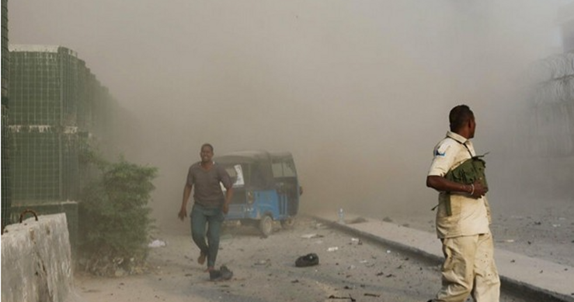 Somalidə partlayış zamanı azı 20 nəfər həlak olub, onlarla yaralı var