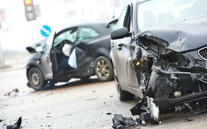 Lənkəranda üç avtomobil toqquşdu, piyada öldü - VİDEO - YENİLƏNİB