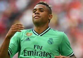 Real's Mariano Diaz wins over coronavirus