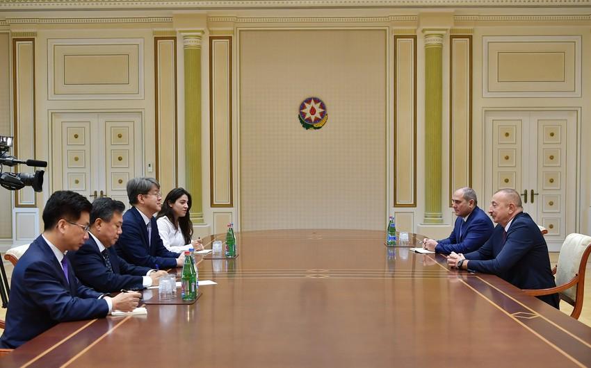 President Ilham Aliyev received delegation led by commissioner of Statistics Korea