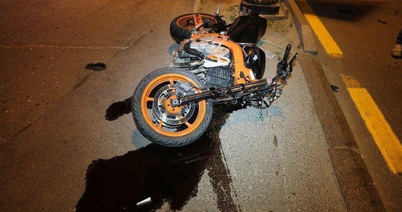 Bakıda motosiket gənc oğlanı vuraraq xəsarət yetirdi