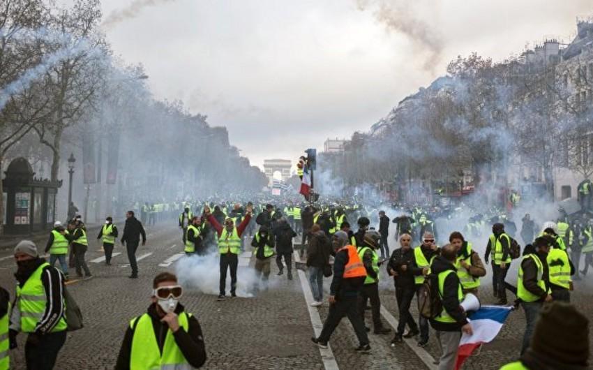Parisdə keçirilən etiraz aksiyaları nəticəsində dəymiş zərər 3 milyon avrodan çox olub