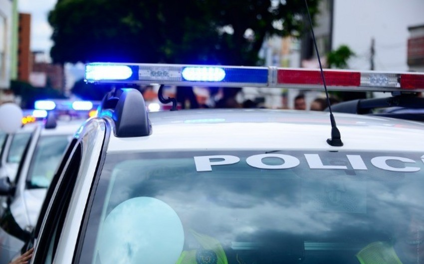 Yerevanda polis avtomobili atəşə tutulub