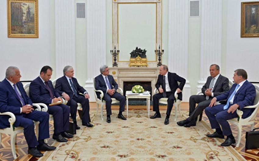 Vladimir Putin: Ermənistan və Azərbaycan Dağlıq Qarabağ münaqişəsinin real həllini istəyir