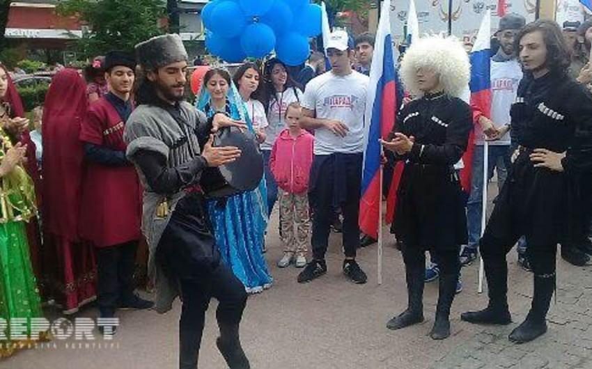 Azərbaycan diasporu Rusiya Günü ilə bağlı bayram tədbirlərində iştirak edib