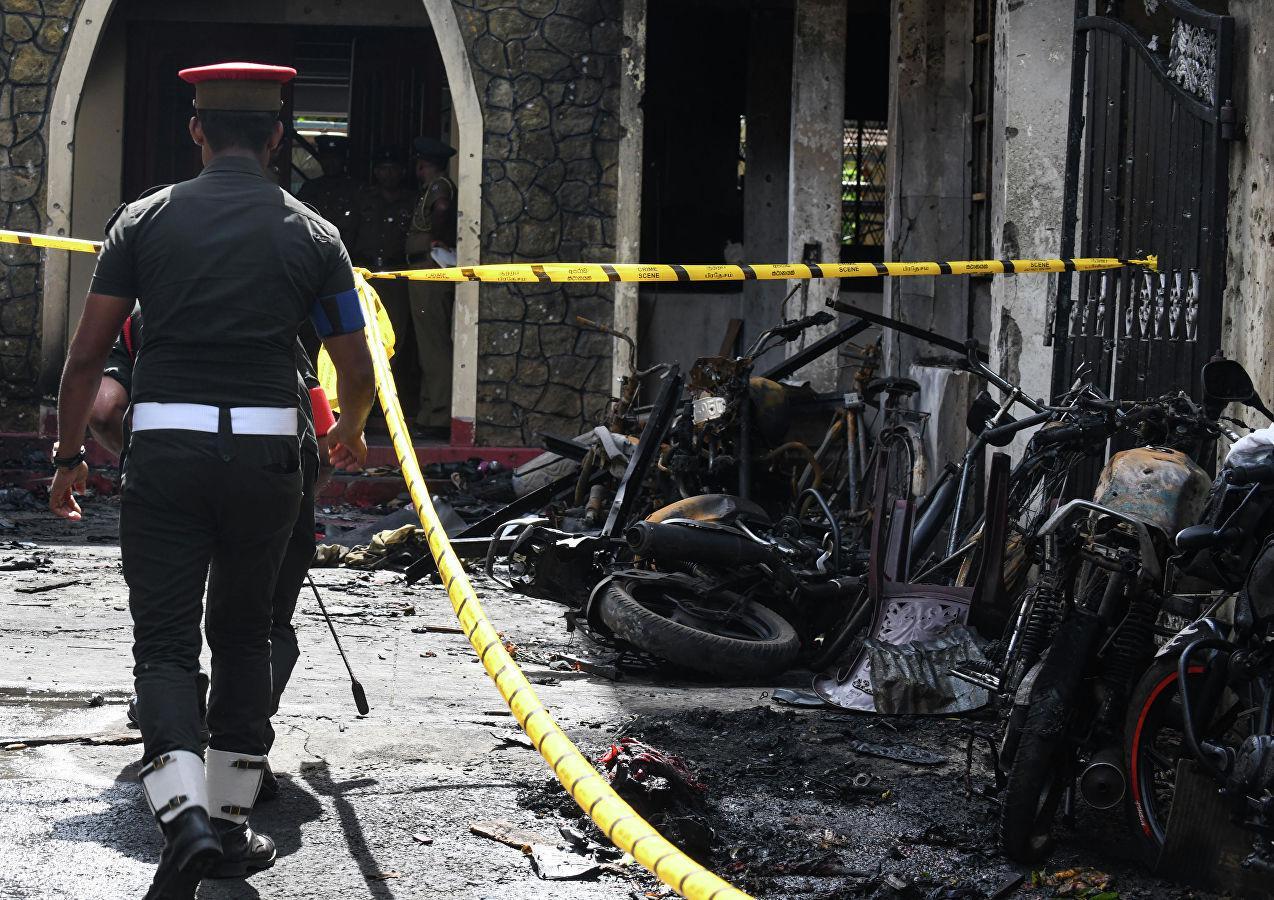 Число погибших при взрывах на Шри-Ланке увеличилось до 290 - ОБНОВЛЕНО - ФОТО