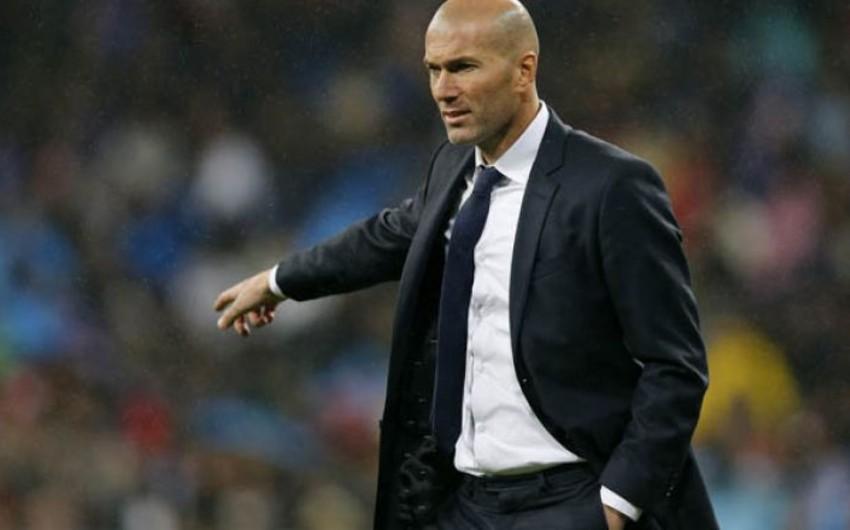 Зидан покинул Реал из-за разногласий с Пересом по поводу трансферов