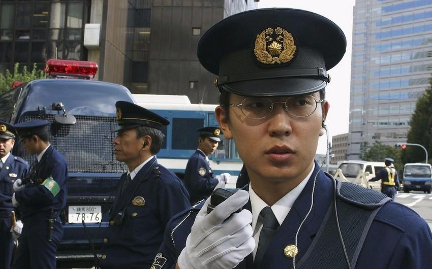 Yaponiyada silahlı şəxs bir neçə nəfəri girov götürdü