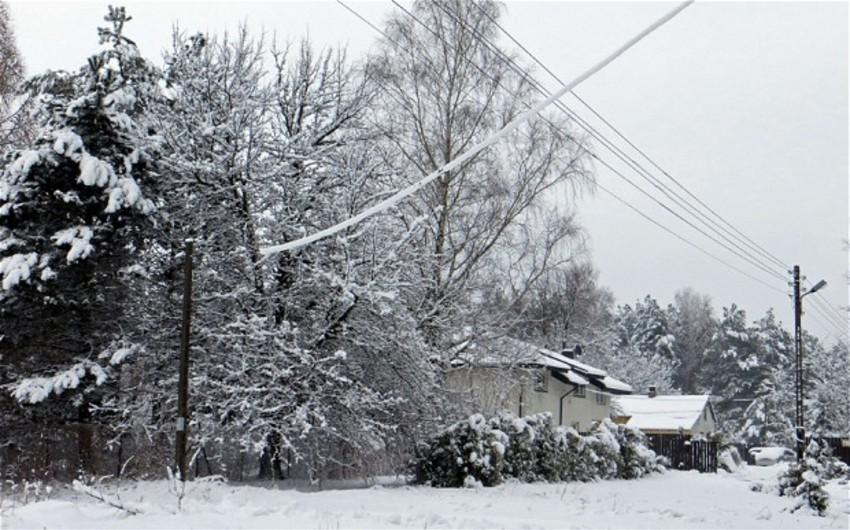 Первый снег в Польше оставил без электричества несколько тысяч человек