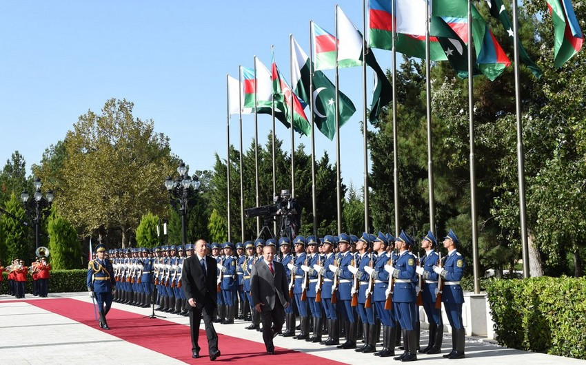Состоялась церемония официальной встречи премьер-министра Пакистана Мухаммада Наваза Шарифа