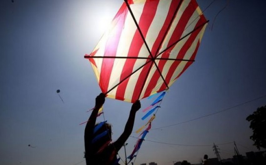 Turkey bans flying kites and desire balloons near airports