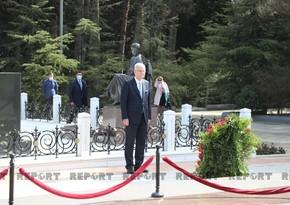 Председатель Генассамблеи ООН посетил Аллею почетного захоронения