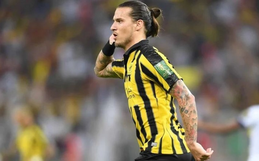 Serbiyalı futbolçu komendant saatında küçəyə çıxdığı üçün həbs olundu