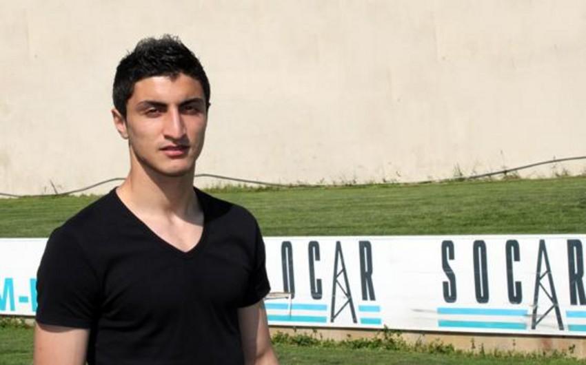 Neftçinin futbolçusu Araz Abdullayev Yeni İl günü Kərbəlaya gedəcək