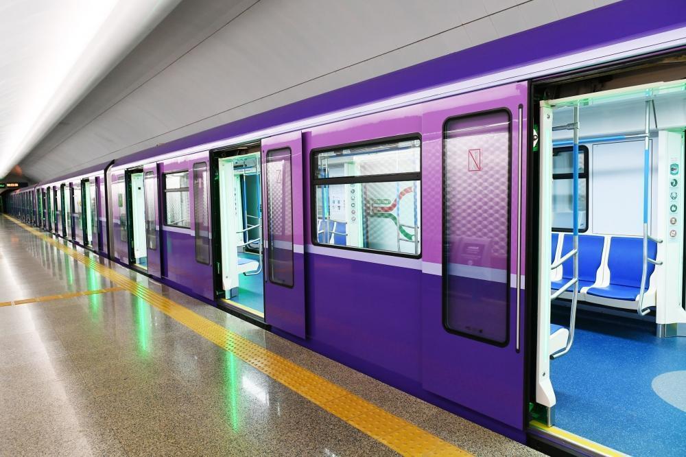 Metro fəaliyyətini dayandırdı-