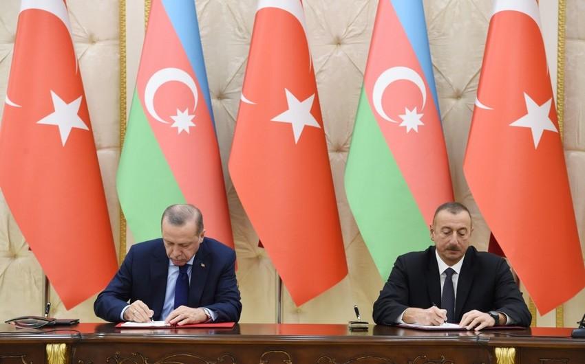 Azərbaycanla Türkiyə arasında sənədlər imzalanıb