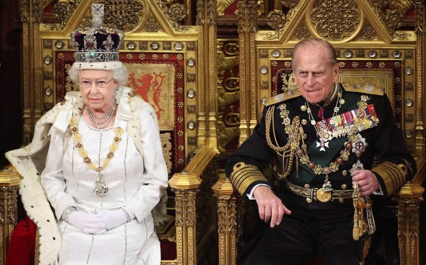 Britaniya kraliçasının həyat yoldaşı xəstəxanaya yerləşdirilib