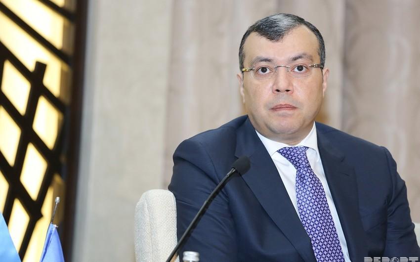 Sahil Babayev AMEA əməkdaşlarının əməkhaqqının artırılması barədə sualları cavablandırıb