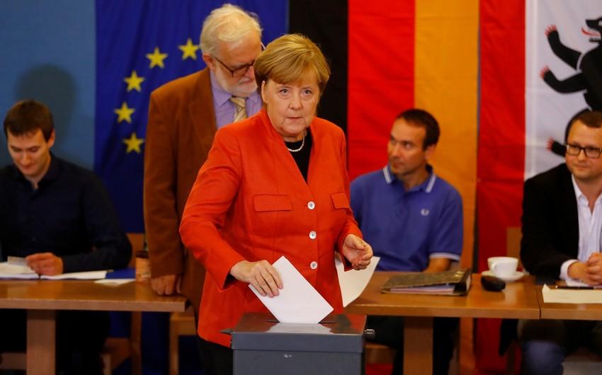 Almaniyada keçirilən parlament seçkiləri üzrə exit-poll nəticələri açıqlanıb
