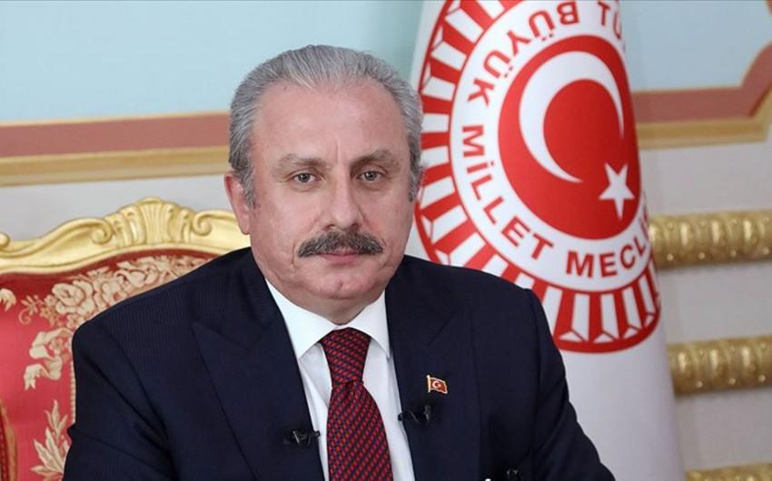 Mustafa Şentop: Bütün əziz şəhidlərimizi rəhmətlə yad edirik