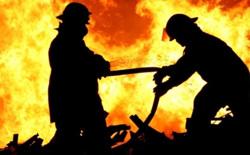 Xaçmazda yaşayış evi yanıb, bir nəfər xəsarət alıb