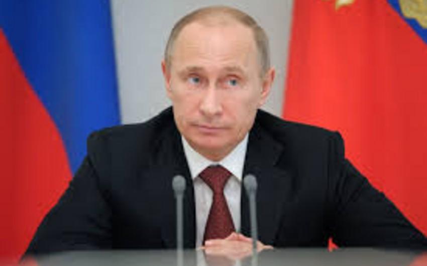 Putin: Sanksiyalar Rusiyanın millət kimi var olma istəyinə təsir vasitəsidir