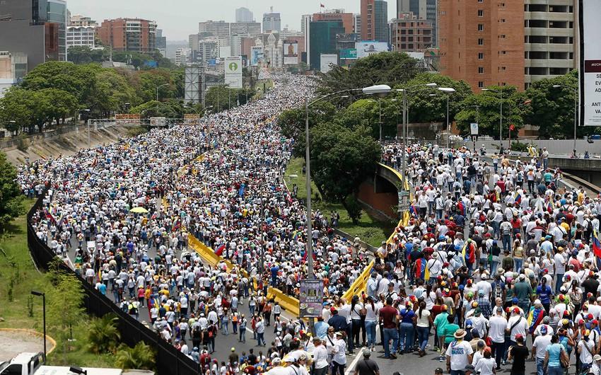 Venesuelada etiraz aksiyası zamanı 2 nəfər ölüb