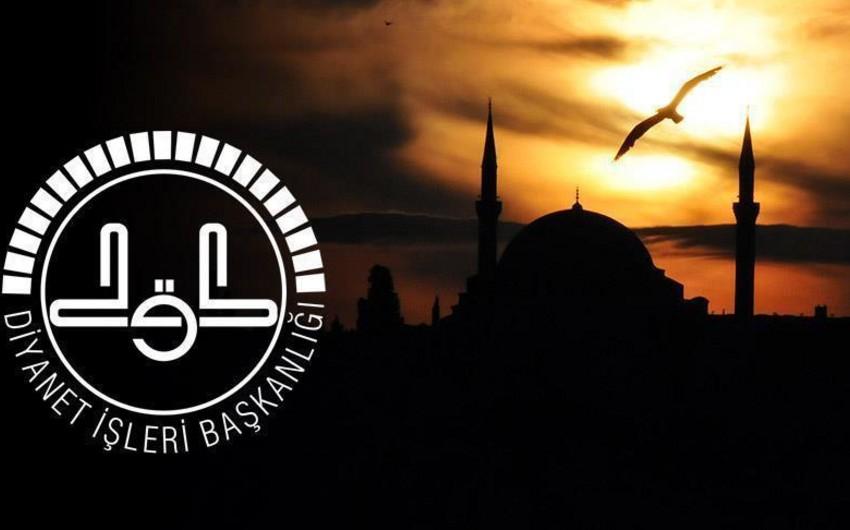 Türkiyə Dini İşlər İdarəsində vəzifəsindən kənarlaşdırılan əməkdaşların sayı 1 112 nəfərə çatıb
