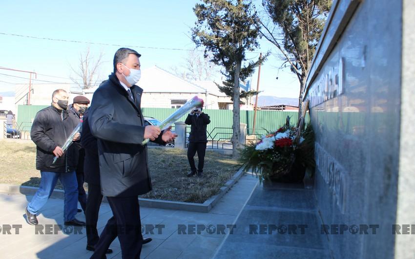 Azerbaijani ambassador visits 'Shahid' monument in Georgia
