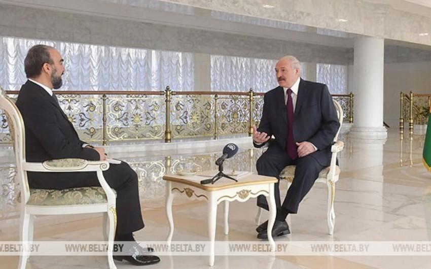 """Aleksandr Lukaşenko: Dünyanın böyük aktorları """"ayır buyur"""" siyasəti yeridir"""