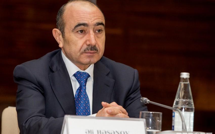 Али Гасанов: Журналисты должны освещать выборы на профессиональном уровне