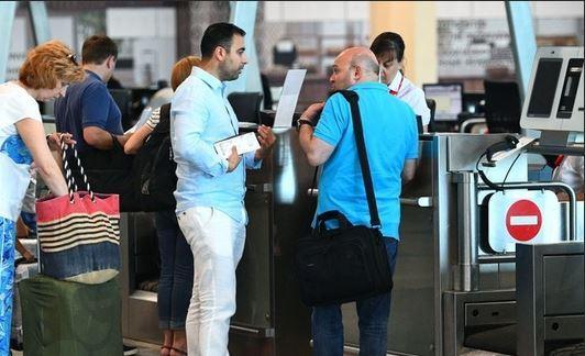 Около 500 россиян вернулись домой из Азербайджана