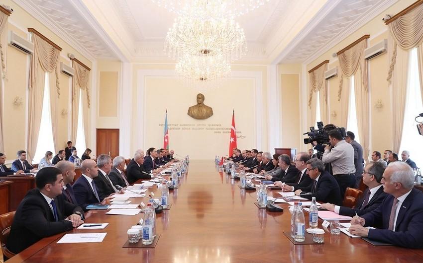 Bakıda Azərbaycan-Türkiyə Birgə Hökumətlərarası Komissiyasının iclası keçirilib - YENİLƏNİB