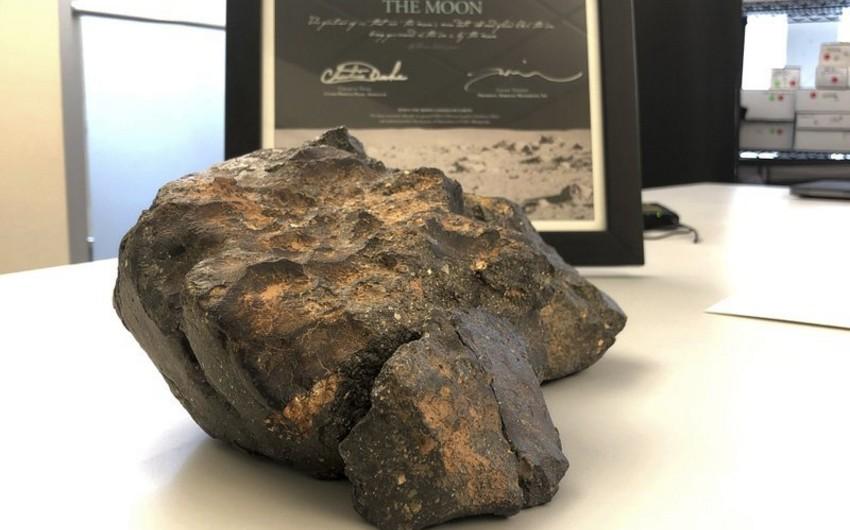 ABŞ-da nadir ay meteoriti hərracda 612,5 min dollara satılıb