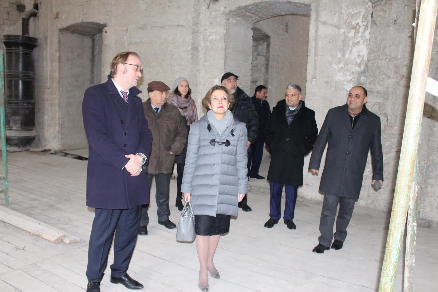 Fransanın Azərbaycandakı səfiri UFAZ-ın yeni binasında gedən təmir işləri ilə tanış olub