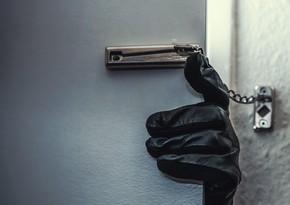 Из бакинской школы украден бюст стоимостью 7 тыс. манатов