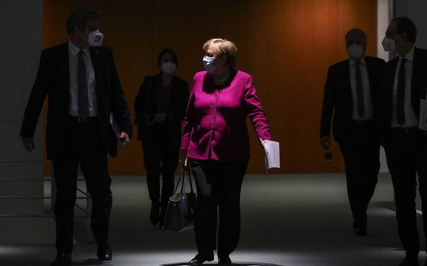 Almaniyada karantinin müddəti artırıldı