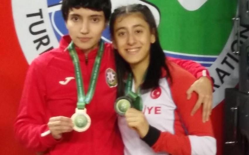 Azərbaycan atleti Türkiyədə bürünc medal qazanıb