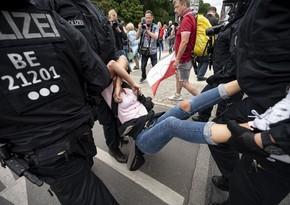 В Берлине на акции протеста задержали около 600 человек