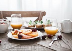 Советы TƏBIB по здоровому питанию в жаркие дни